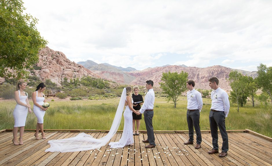 Eloping In Las Vegas Helpful Information Red Rock Canyon Elopement